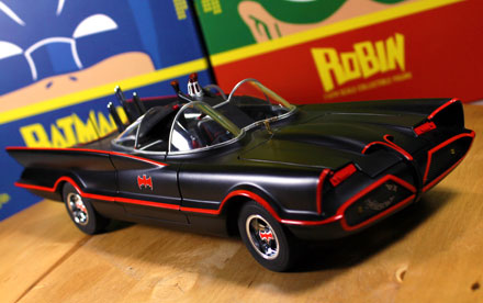 Hot Wheels Elite Batmobile 1966 Unboxing